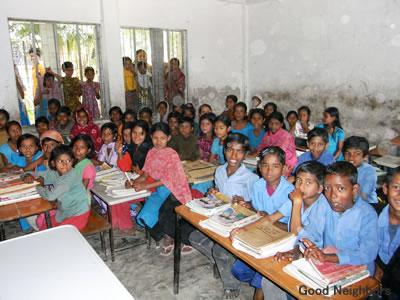 ドハールの公立小学校の生徒達