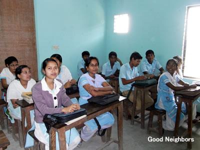 GN運営の小学校。ドハールの公立小学校に比べ、ゆったりしている。